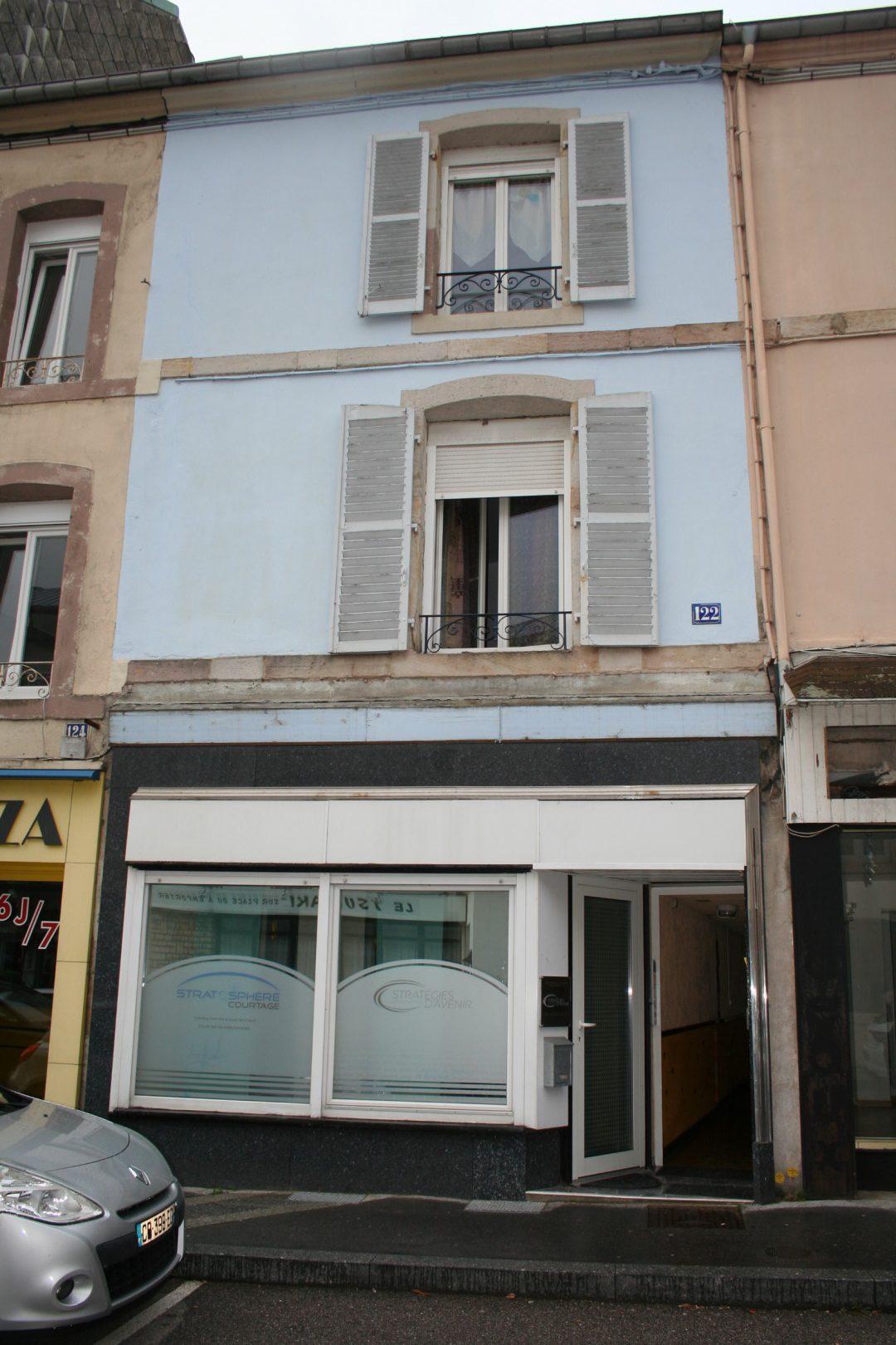 Complex met 3 appartementen in centrum Remiremont. Ideaal voor seizoensverhuur.